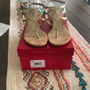 Kelly & Katie Gold Wedges Size 10